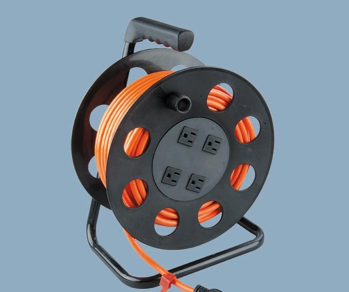 100 Ft 4 outlet America cable reel