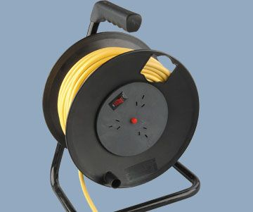 3 Outlet Cable Reel With Over Current and Heat Protect