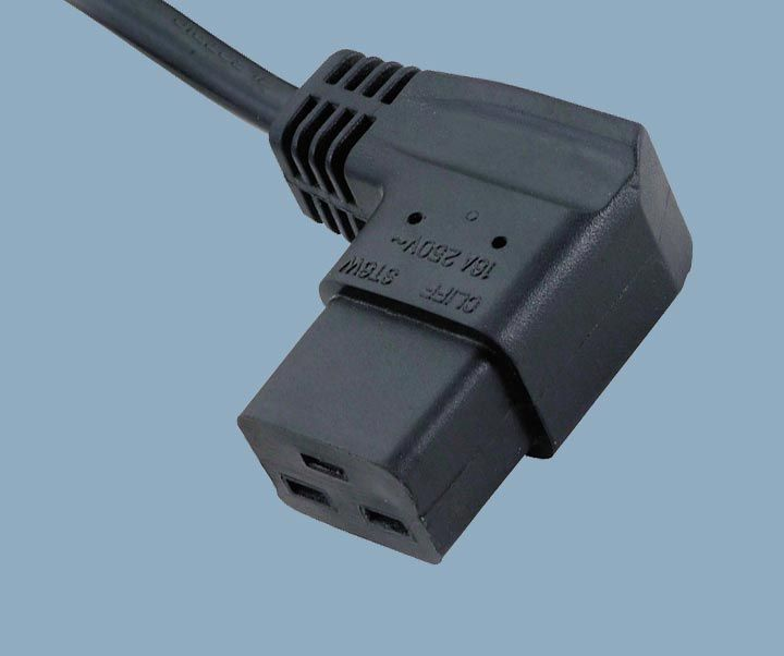 Right angle IEC 60320 C19 power cords