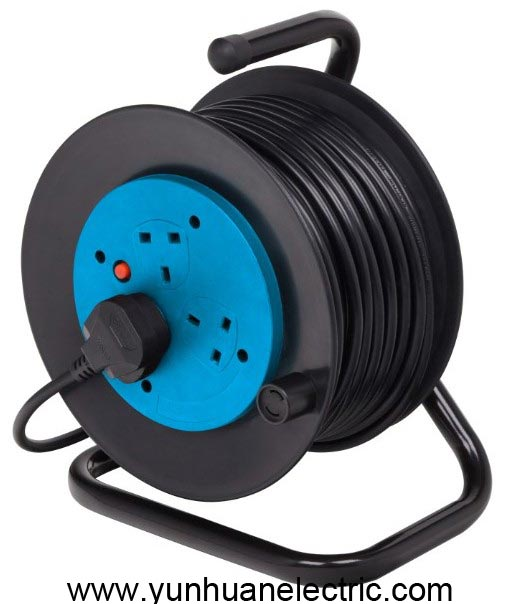 Cable Reel UK Type 3 Socket Outlet