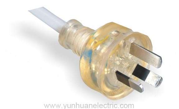 LA020C 3-conductor Non-rewirable Translucent Plug Power Supply Cord