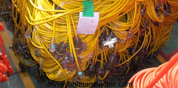 Extension Cord Multiple Outlets LA085A LA004I LA052B